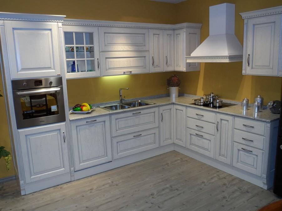 Cucina baltimora in legno avorio outlet ufficiale scavolini for Costo cucina scavolini