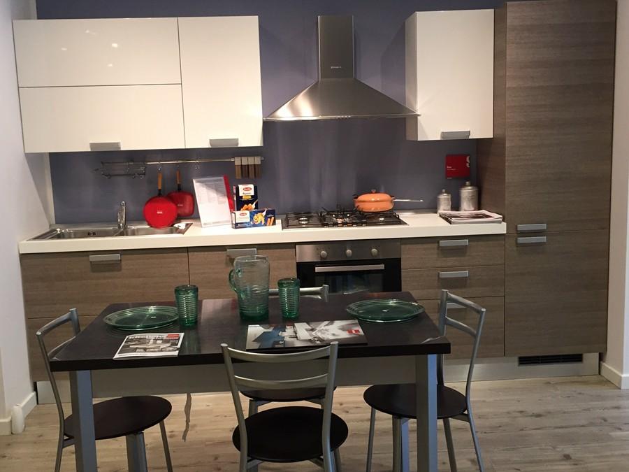 Cucina Sax in Decorativo Legno, Laccato lucido Rovere | Outlet ...