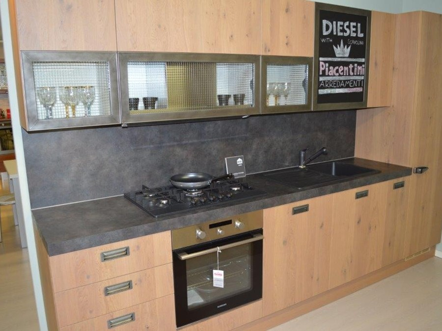Cucina diesel social kitchen in legno rovere outlet for Outlet cucine scavolini