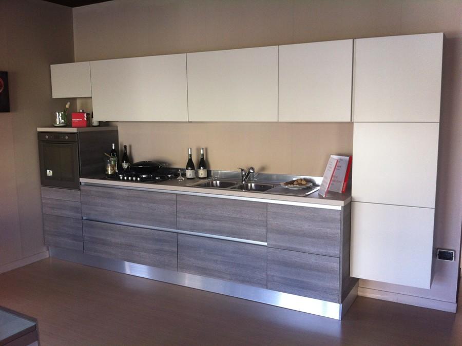 Cucina liberamente in decorativo, laccato opaco rovere, tortora ...