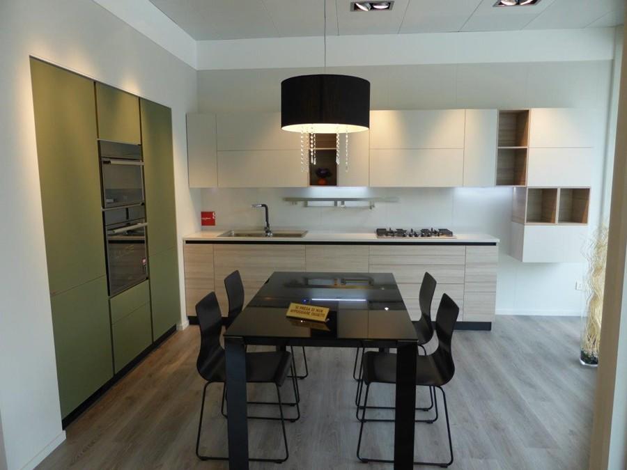 Cucina liberamente in decorativo bianco larice verde outlet ufficiale scavolini - Tavolo tai scavolini ...