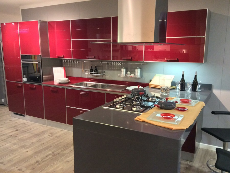 Cucina crystal in vetro lucido rosso outlet ufficiale scavolini - Cucina crystal scavolini ...