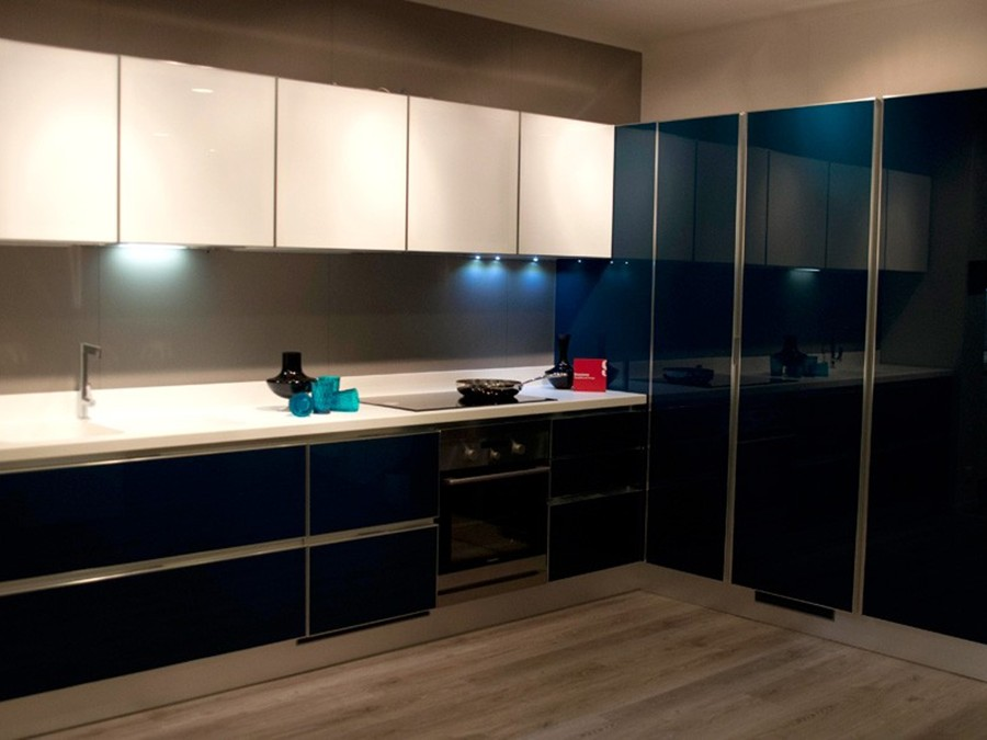 Cucina Scenery in Vetro lucido Bianco, Blu | Outlet ...