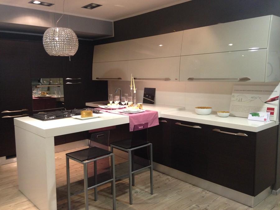 Cucina Flux in Impiallacciato, Laccato lucido Bianco, Ebano ...